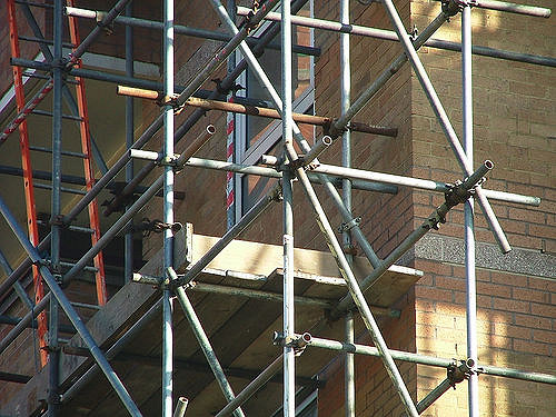 4 Common Types of Building Repair and Maintenance Services