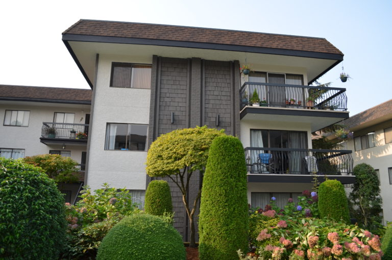 North Vancouver Strata Painting - Wellington Manor
